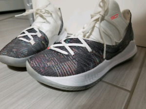 Under Armour Curry 5's