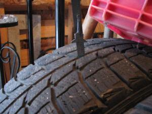 Pneus Hiver Michelin ice une saison peu d'usure 205-65-R 15