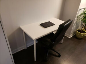 Desk and Chair in excelent shape
