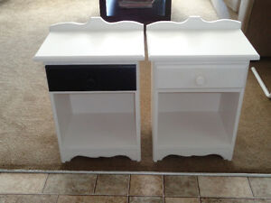 2 solid wood end tables