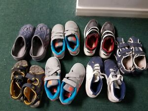 Boy's shoes, size 4 and 5