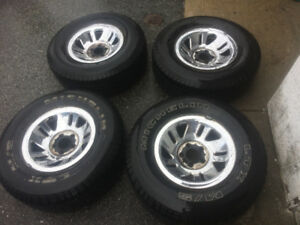 4x 2001 Ford Explorer Chrome Wheels and A/T Tires (75%)