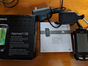 Garmin Approach G8 - lightly used w/box, manual, charger & clips
