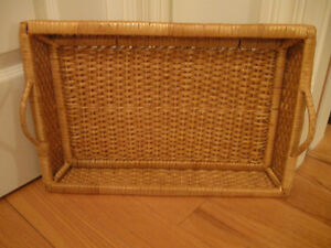 OLD VINTAGE WOVEN WICKER HANDLED SERVING TRAY
