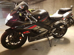2005 Suzuki GSX-R 1000 for sale (LOW KMS, WELL KEPT/MAINTAINED)