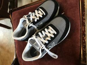 New Balance Shoes women's size 9 - men's size 7