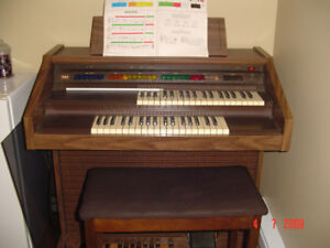 ORGUE LOWREY MAGIC GENIE