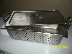 "perferated steamer pan and lid 6"" deep and long pan Kingston Kingston Area image 1"