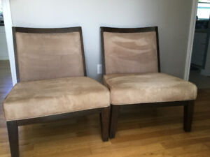 2 large chairs in great condition