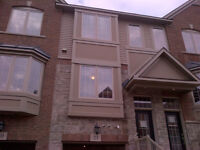 3 Bedroom Townhouse - Close to downtown