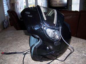 casque modulaire avec visiere chauffante xl tres peut utiliser Saguenay Saguenay-Lac-Saint-Jean image 1