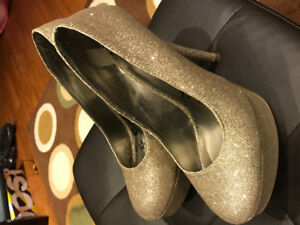 High heel shoes - size 6.5 W.