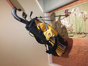 U.S Kids Right Handed Golf Clubs (63-43) Cambridge Kitchener Area image 1