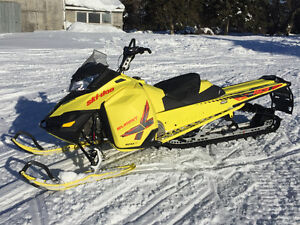 2015 Ski Doo Summit X T3