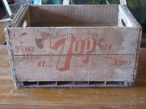 7 Up Case with 24 Bottles - Great Condition