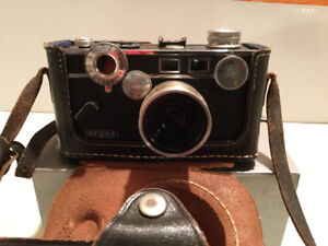 Vintage Argus 50 mm Camera in Leather Case