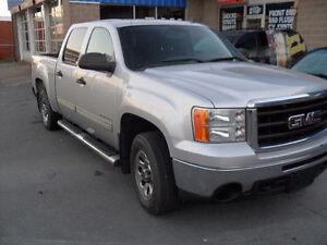 2010 G M C SIERRA PICKUP-CREW CAB-4X4 -AUTO-$10900.