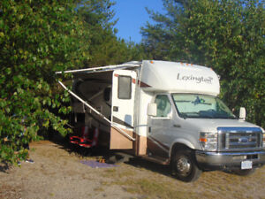 Forest River Lexington motor home