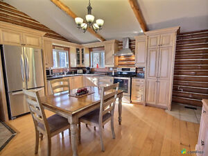 Waterfront Cottage for sale on Loch Garry West Island Greater Montréal image 4