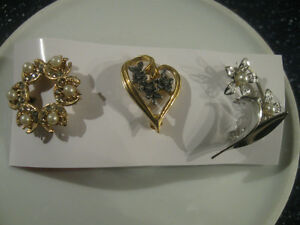 THREE LOVELY OLD VINTAGE BROOCHES from the '60's