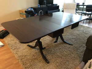 Duncan Phyfe Cherry Fruit wood Dining Table with 4 chairs