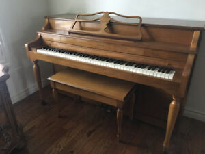 JANSSEN PIANO & STOOL USED