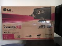lG 23 inch 3D monitor, boxed with 3D glasses
