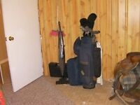 GOLF CLUBS, BAG AND TRAVELLING GOLF BAG