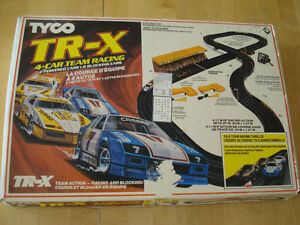 Vintage Tyco TR-X 4-CAR Team Racing Slot Car Set