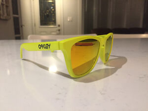 Oakley Frogskins *limited edition* London Ontario image 1