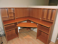 For sale:Corner Computer Desk,Roll out shelf for keyboard