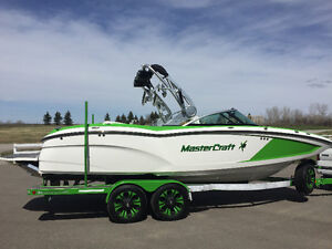 2016 Mastercraft X23, loaded, as new, must sell