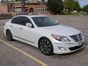 2012 Hyundai Genesis Sedan 5.0 R-Spec with 2 sets of tires