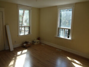 5 Bedroom Place for Rent - Downtown Hamilton
