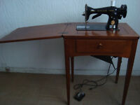 Machine coudre Singer table antique vintage Sewing machine