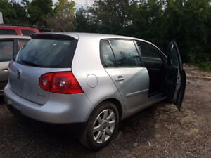 2007 Volkswagen Rabbit Hatchback 2.5 front hit  67K KM $1500 OBO
