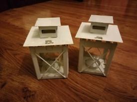8 white lanterns