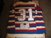 ****SIGNED NHL ITEMS****