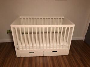 Lit à barreaux pour bébé Ikea
