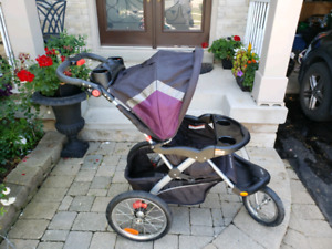 Great condition baby trend jogging stroller