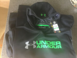 Men's Under Armour sweatshirt
