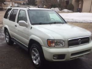 REDUCED TO $ 4900---2002 Nissan Pathfinder SUV, Crossover
