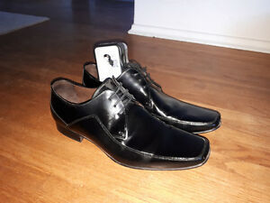 Perfect black leather dress shoes.