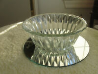 OLD VINTAGE AMPLE-SIZED DECORATIVE GLASS RELISH DISH