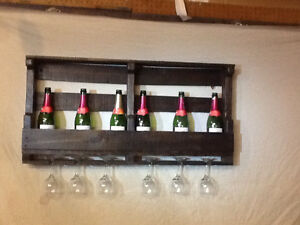 wine rack with space for 6 bottles