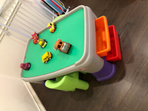 LITTLE TIKES ACTIVITY TABLE WITH CARS USED