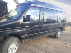 "2003 Ford 2500 Van 2wd Raised Roof (12"")"
