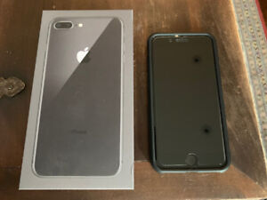 iPhone 8 Plus Space Grey, 256 + br new Spigen Cover + HD protect
