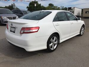 2011 TOYOTA CAMRY SE * POWER GROUP * EXTRA CLEAN London Ontario image 6