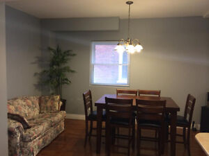 Beautiful Home Downtown Peterborough! ALL INCLUSIVE JAN-MAY Peterborough Peterborough Area image 6
